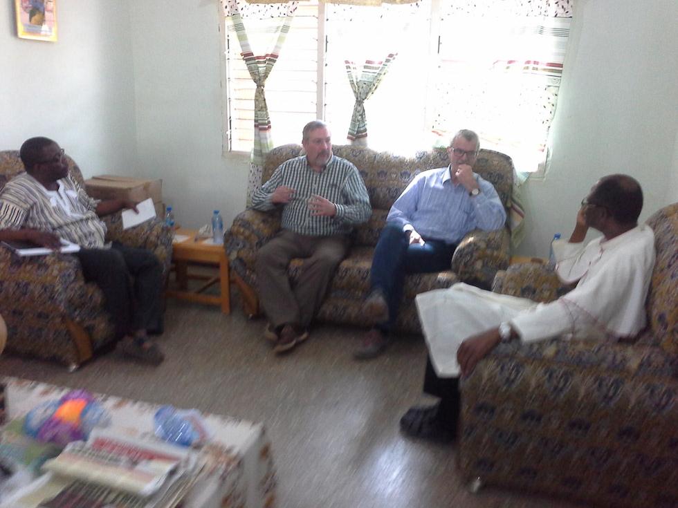 Angeregte Gespräche mit Bischof Alfred Agyenta