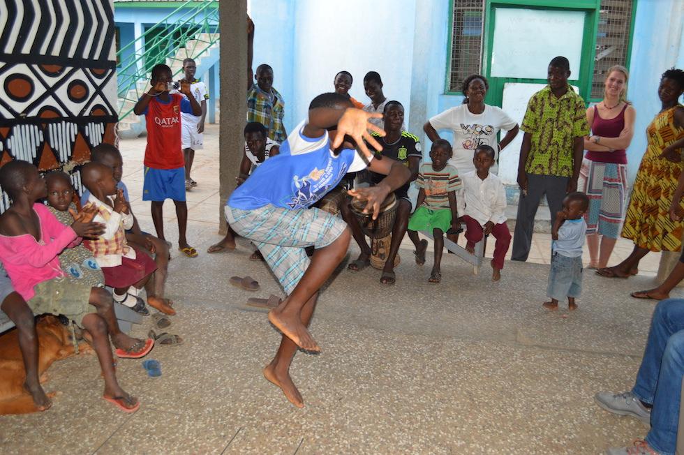 Trommeln und Tanzen – schnell und wild …